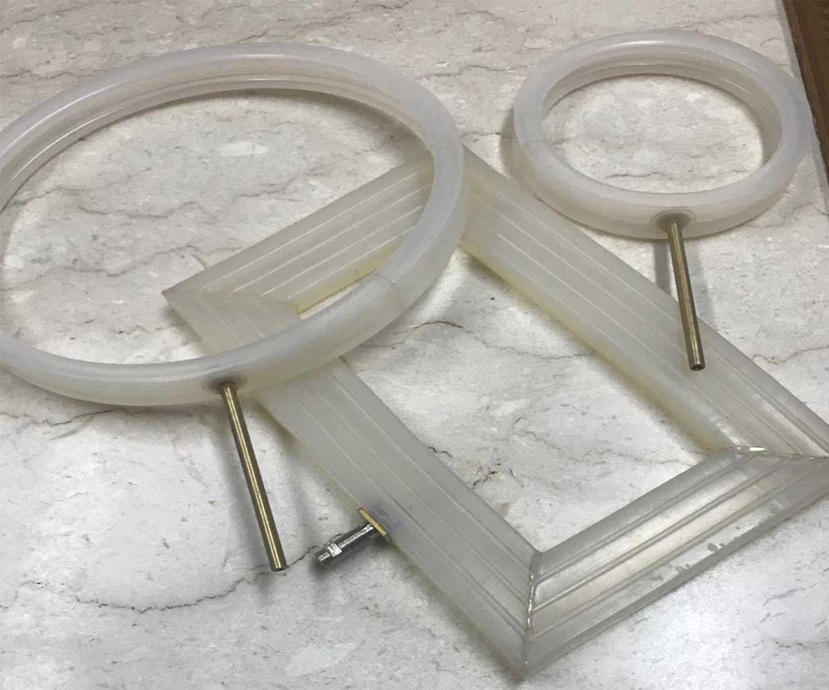 Inflatable Seal For Port Holes